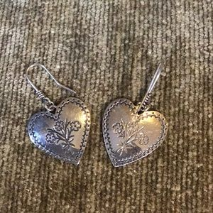 Beautiful retired earrings from James Avery